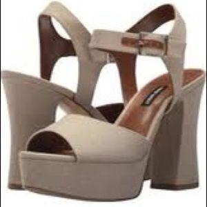 Nine West platform beige fabric sandals